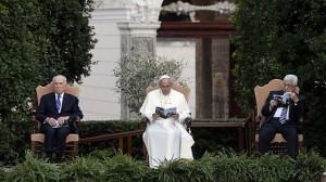 Abu Mazen e Peres dal Papa