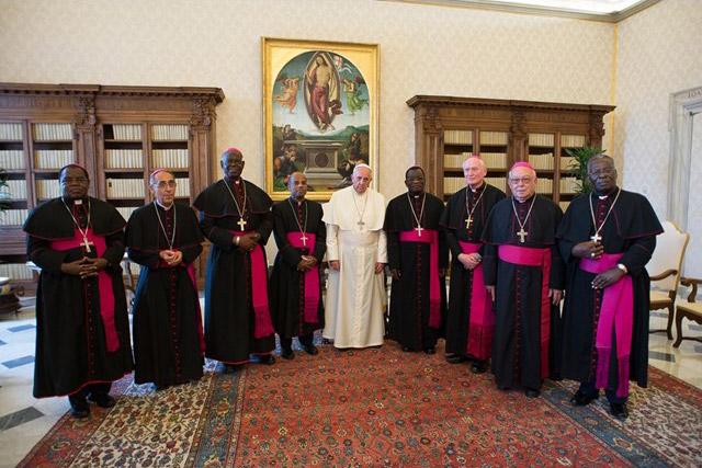 Papa e i vescovi dello Zimbabwe